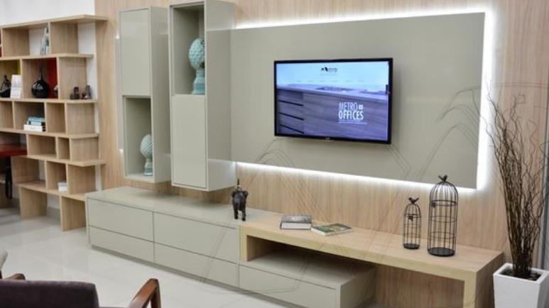 5 dicas para criar uma iluminação de sala de TV prática e aconchegante