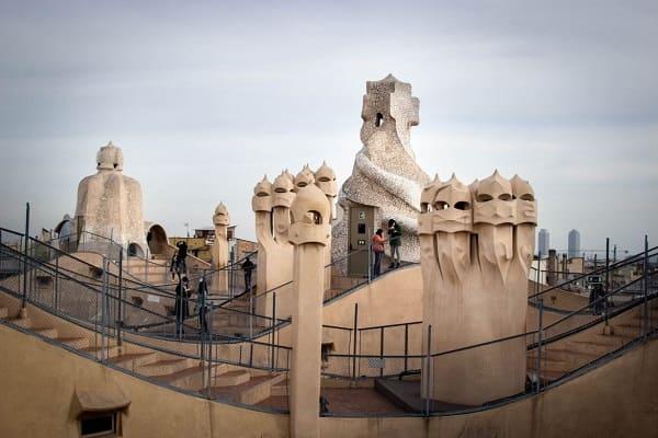 Casa Milà: Confira 4 Curiosidades Incríveis Sobre a Obra de Gaudí