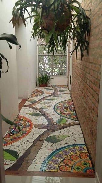 Conheça a história do mosaico e veja como aplicar em projetos