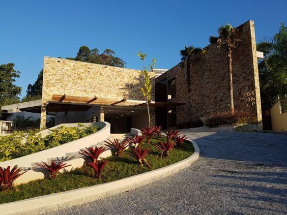 Pedra Madeira: Veja os Cuidados na Hora de Usar e 20 Ambientes Maravilhosos!